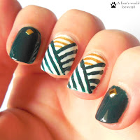 http://alionsworld.blogspot.com/2016/01/naildesign-weihnachtsnagel-2015.html