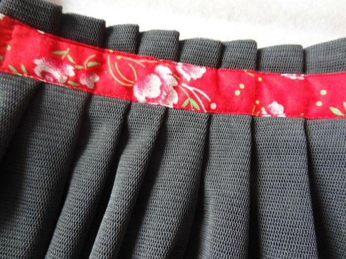 comment faire une jupe pliss e tendance et chic bettinael passion couture made in france. Black Bedroom Furniture Sets. Home Design Ideas