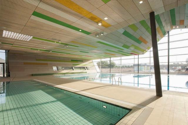 09-Fellbach-Family-and-Recreational-Baths-by-4a-Architekten