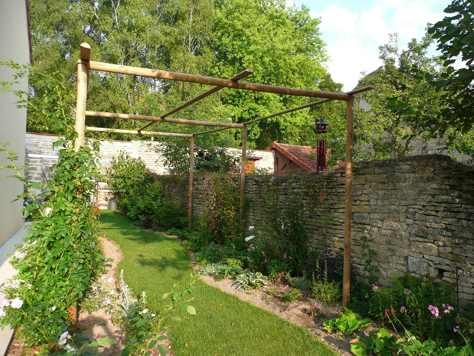 notre jardin secret c t jardin iii. Black Bedroom Furniture Sets. Home Design Ideas