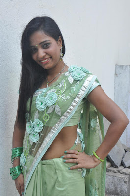 kayavan in saree glamour  images