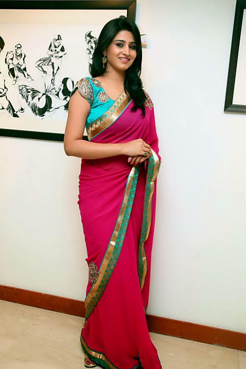 bollytos Actress Madhurima hot and stunning photos in red