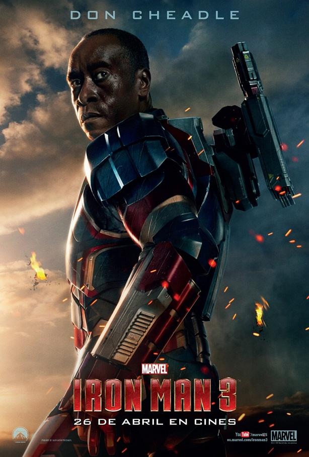 Don Cheadle con la armadura de Maquina de Guerra / Iron Patriot.