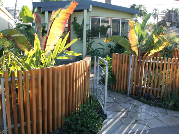 Garden design ideas front yard landscaping ideas from a different perspective - Front garden ideas tropical ...