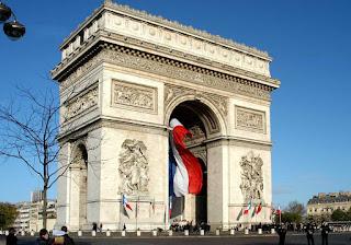 El Arco del Triunfo en París, Francia