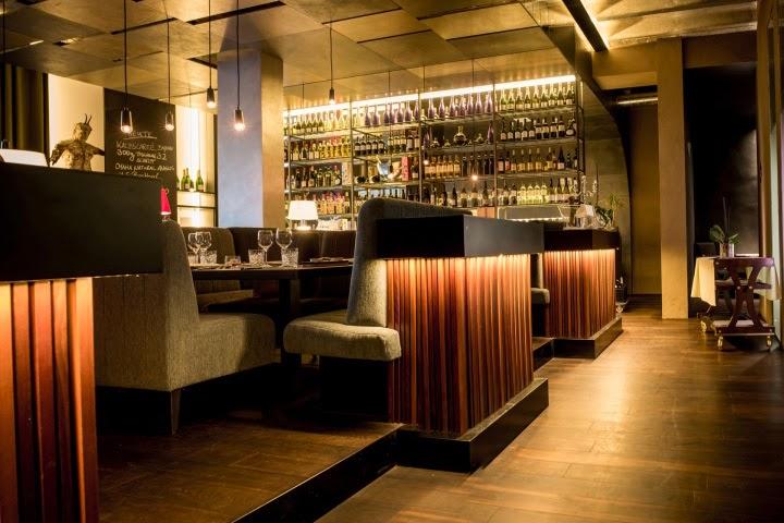 Restaurante goldener joven aut nctico y con atm sfera for Restaurant design innenarchitektur