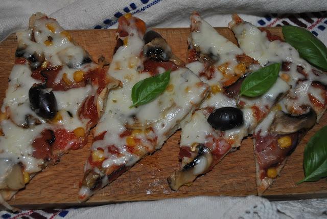 pizza preparata in casa