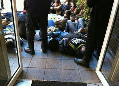 Derecho a vivir protesta en una clínica que practica interrupción de la gestación