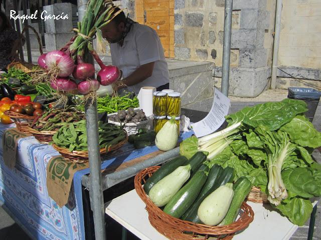 Mercado de productos caseros en Amurrio el 14 de agosto de 2015
