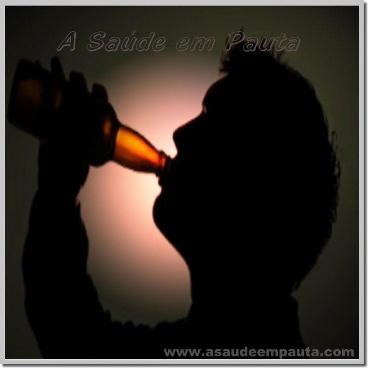 Riscos e malefícios da bebida alcoólica em excesso.