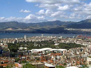 kota Smirna - jemaat yang setia namun teraniaya
