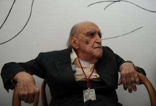 Piora estado de saúde de Oscar Niemeyer
