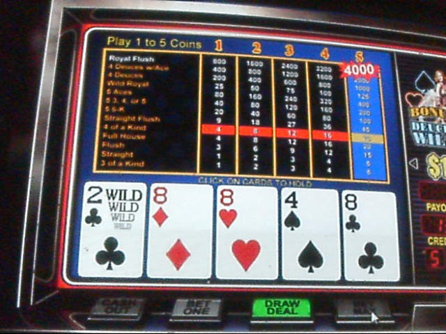 Deuces wild bonus poker strategy