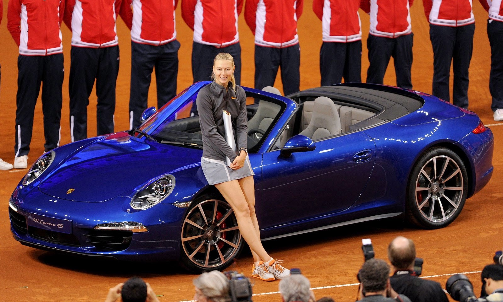 Sharapova imparable en Stuttgart