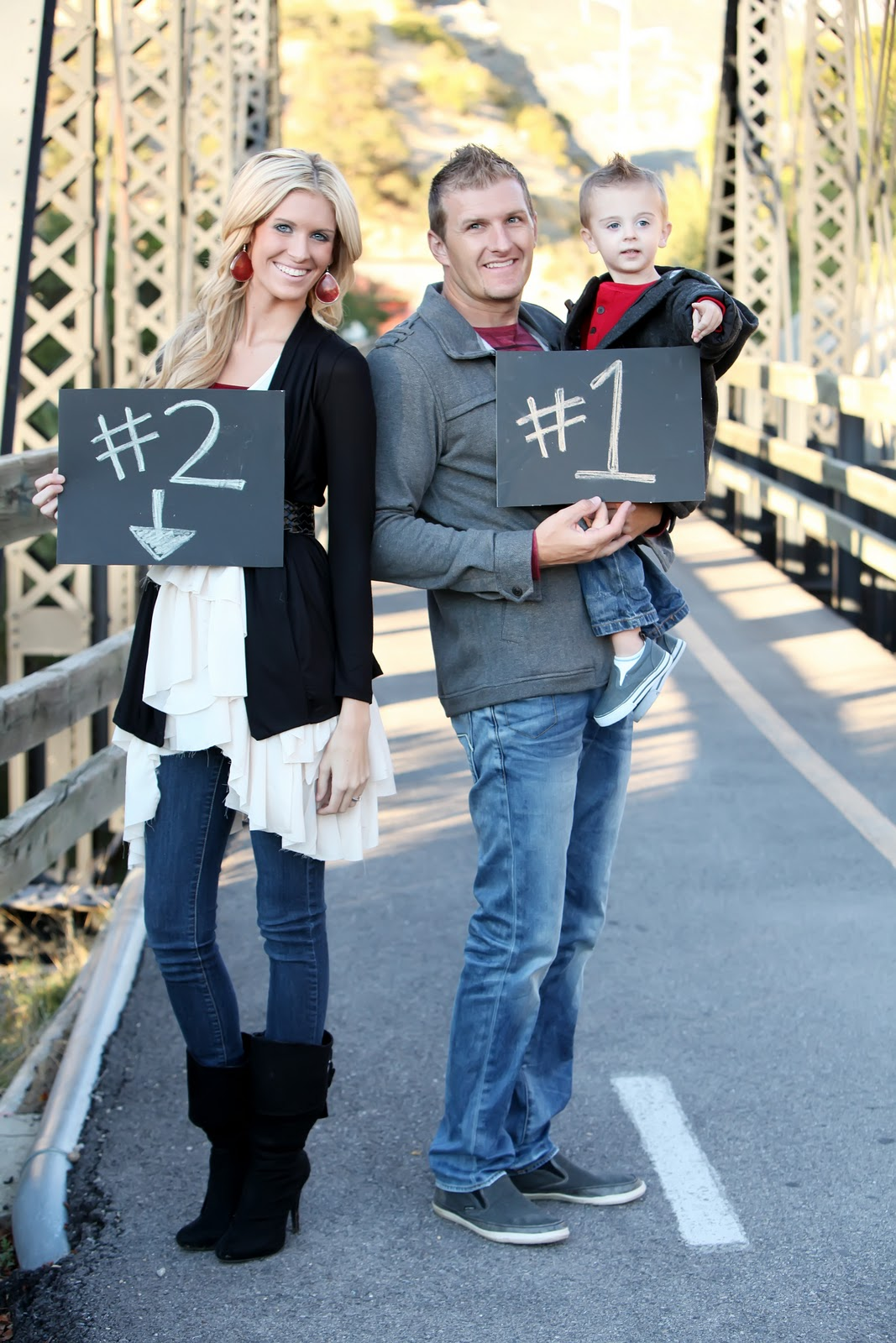 Baby Announcement Photoshoot – Announcing Baby