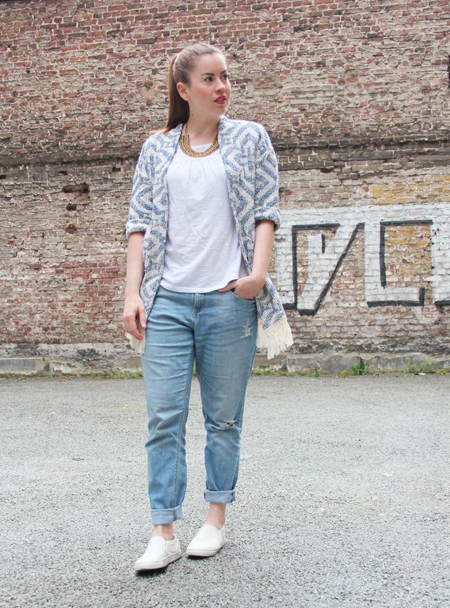 Blauer Boho-Kimono mit Fransen,  Boho-Trend, Streetstyle Köln