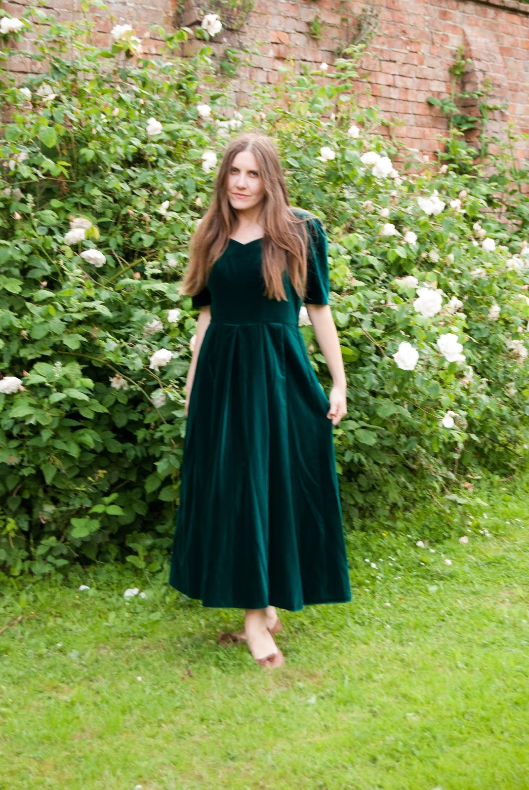 dating laura ashley labels Jane air wearing a laura ashley peasant style dress from the 1970s labels: jane air poet, laura ashley 1970s peasant dress it is a satire on online dating.