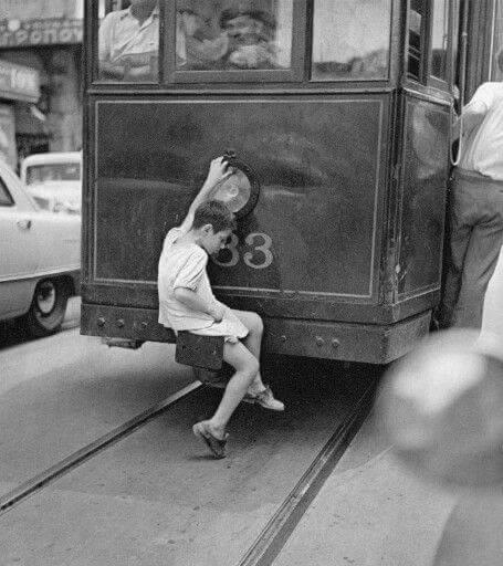 διαδρομές με το τραμ στις γειτονιές