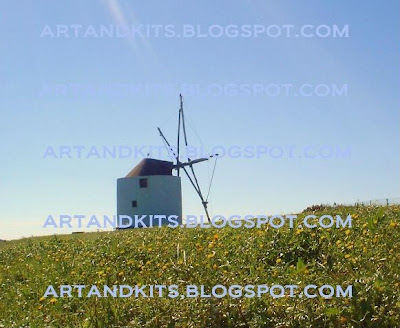 Já em execução, um trabalho de modelismo que recriará esta versão de moinhos. / Already in progress a miniature model work that will recreate this windmill's version.