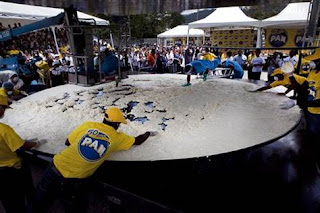 World's largest arepa photo, World's largest arepa picture, World's largest arepa 2011, World's largest arepa Guinness World Record, Venezuela's largest food company
