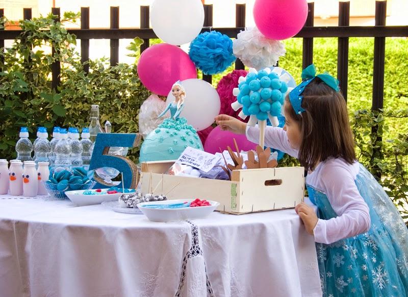 Tarta muñeca Elsa de Frozen - Cumpleaños Frozen12