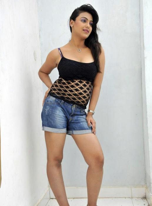 Priyanka Tivari Images 2