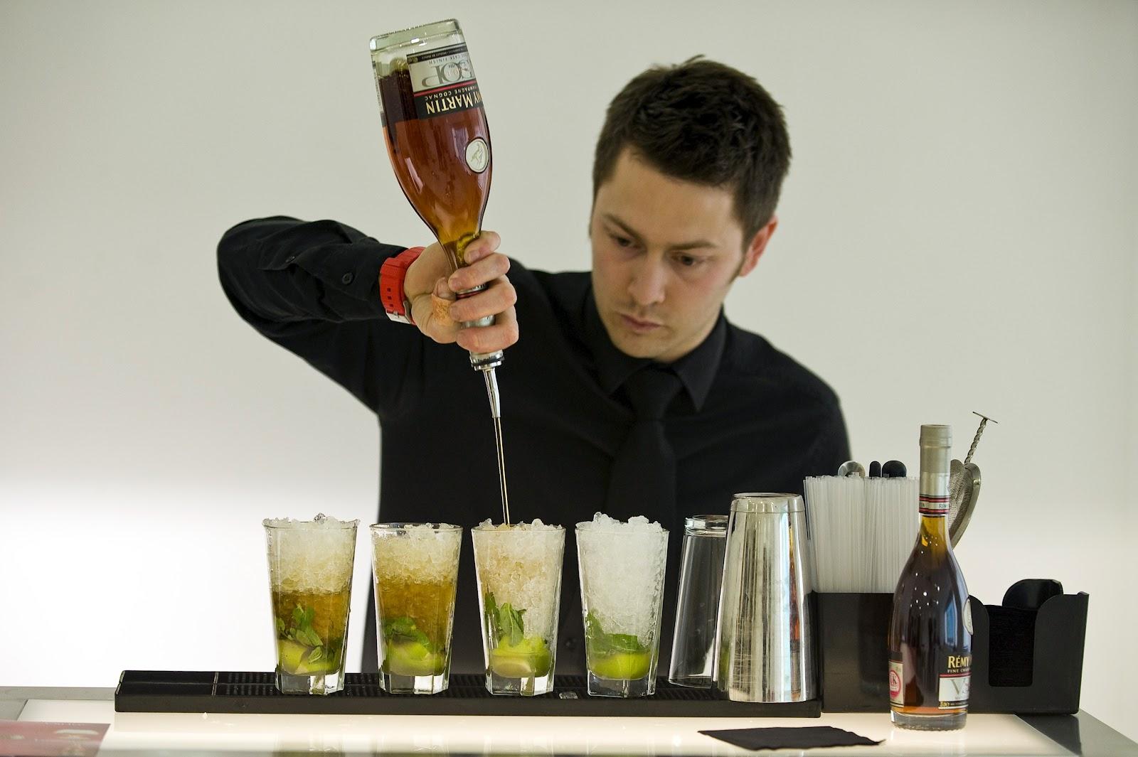 http://2.bp.blogspot.com/-0ktVcgwaksA/T7tnkhSKTYI/AAAAAAAADSw/VQw7HusLe5M/s1600/cognac_spirit_liquor_brand_remy_martin_cocktail_london_1.JPG