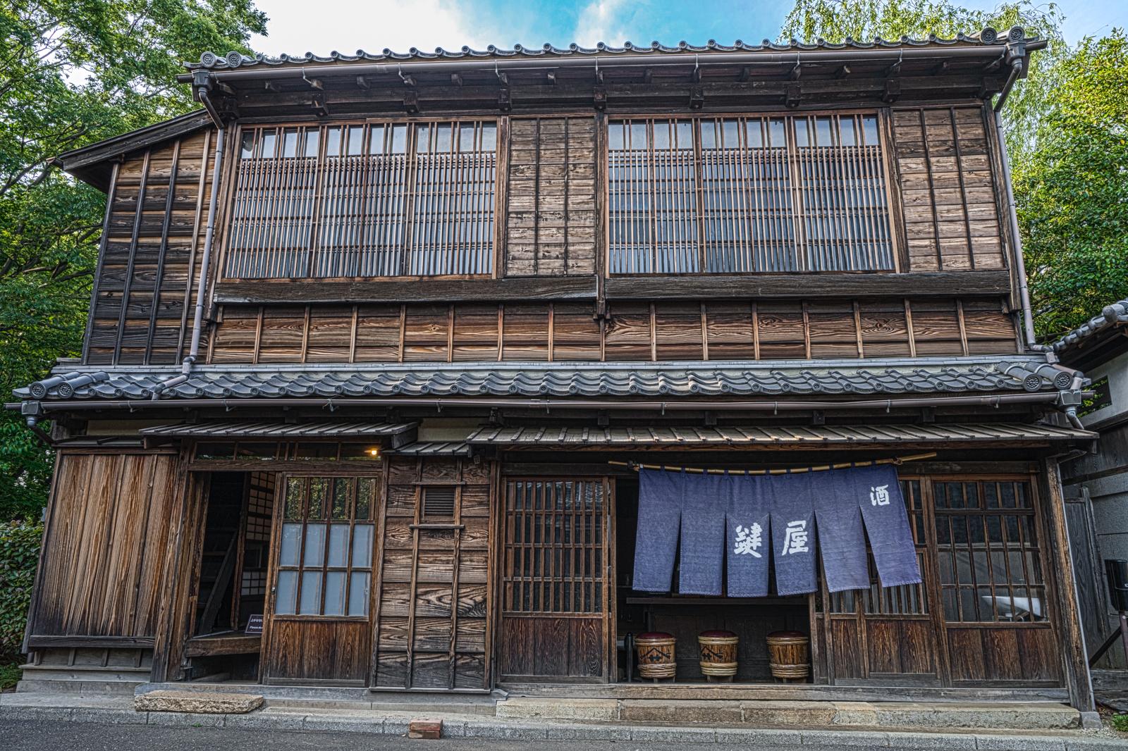 江戸東京たてもの園、鍵屋(居酒屋)を正面から撮影したHDR写真