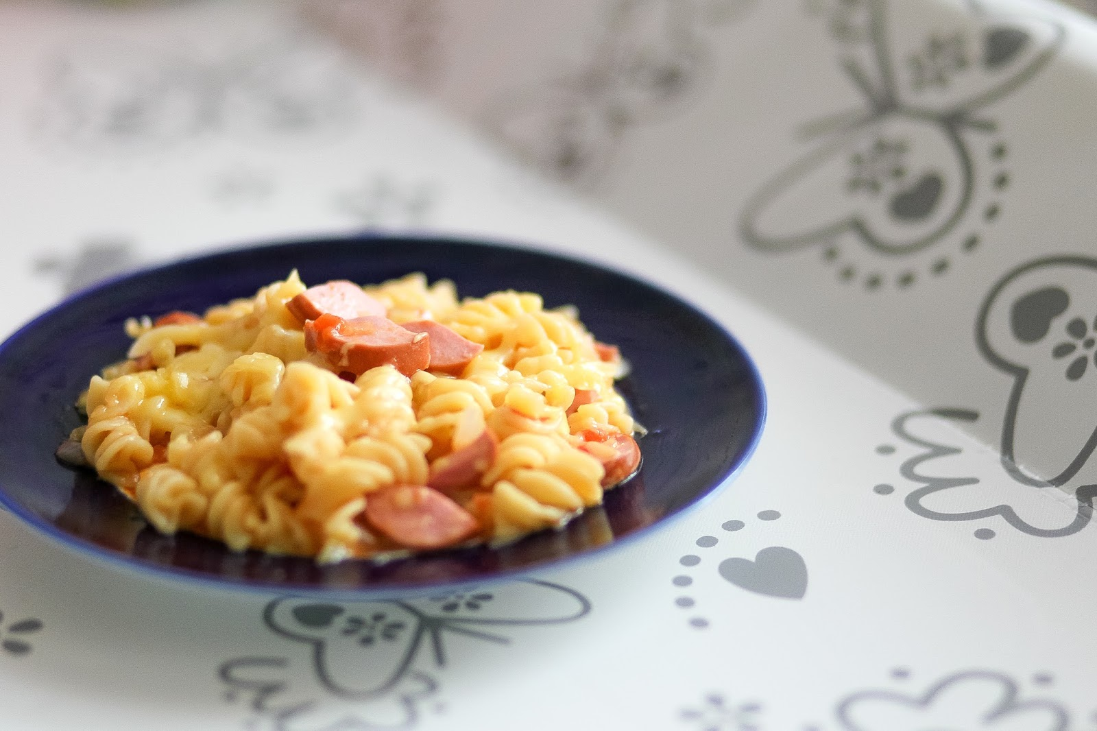 Макароны с колбасой и яйцом рецепт пошагово