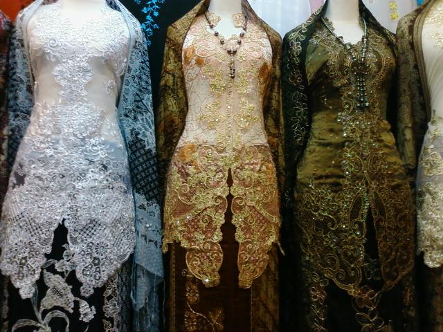 Model Baju Kebaya Terbaru 2011 Contoh Desain Pakaian Fashion Modern