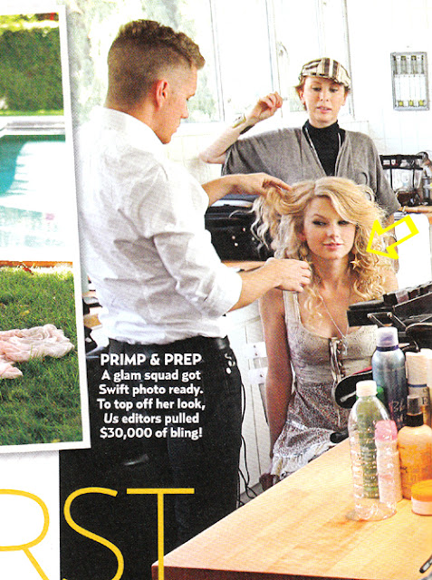 Taylor Swift wearing gold star earrings by Jenny Dayco