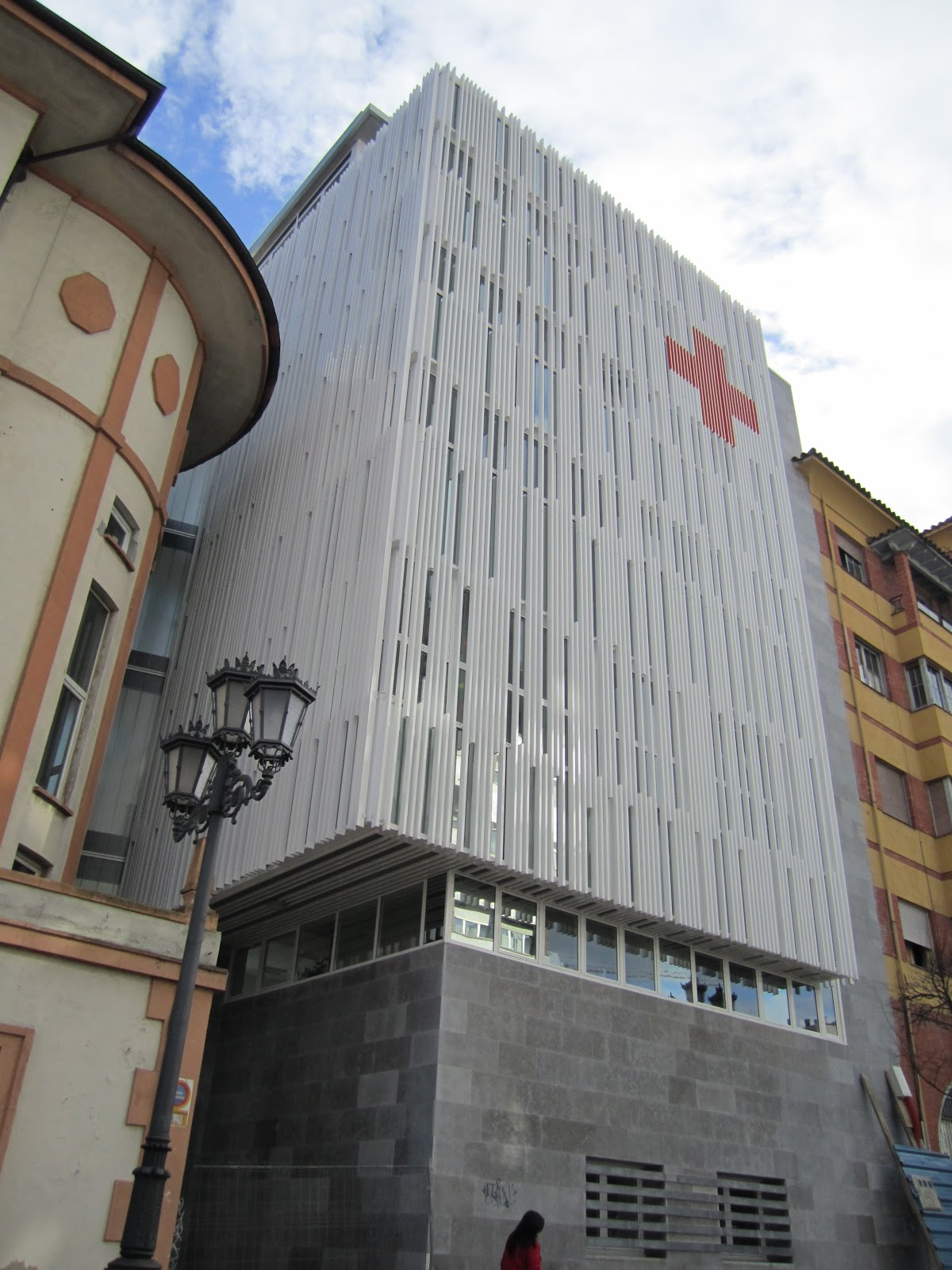 Eduardo fernandez arquitecto edificio de oficinas en oviedo for Oficinas liberbank oviedo