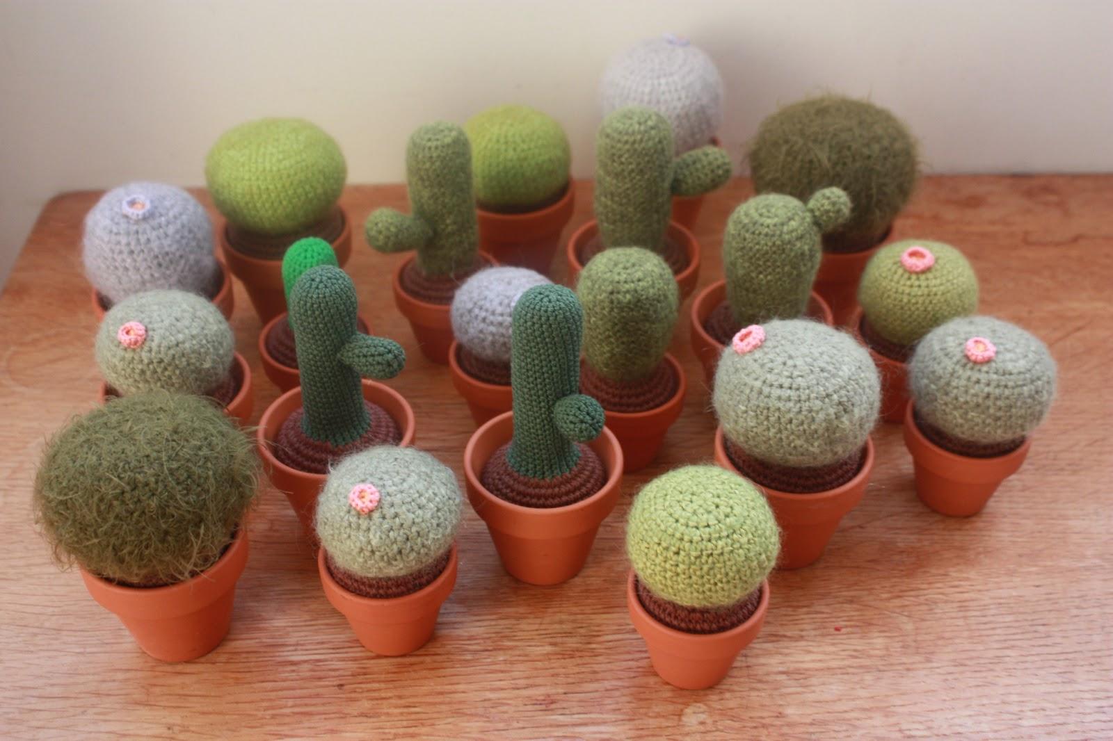 Crochet Guru : Amigurumi creations by Happyamigurumi: Cacti, crochet ones :)