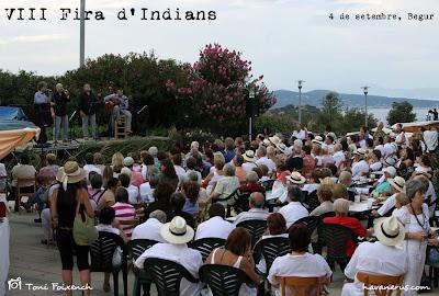 Public per veure L'Empordanet a la Fira d'Indians de Begur