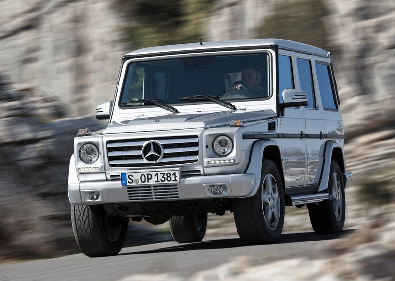 Sport car garage mercedes benz g class 2013 for Garage class auto