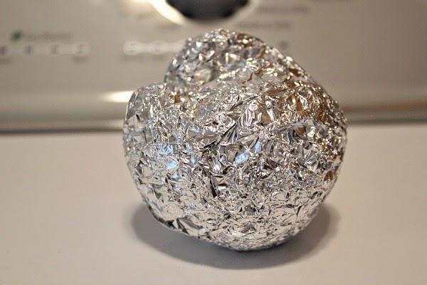 how to make an aluminum foil ball
