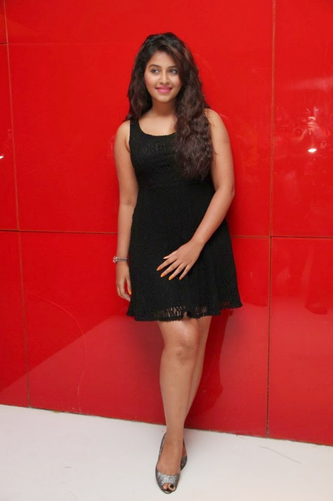 anjali hot legs in black mini skirt