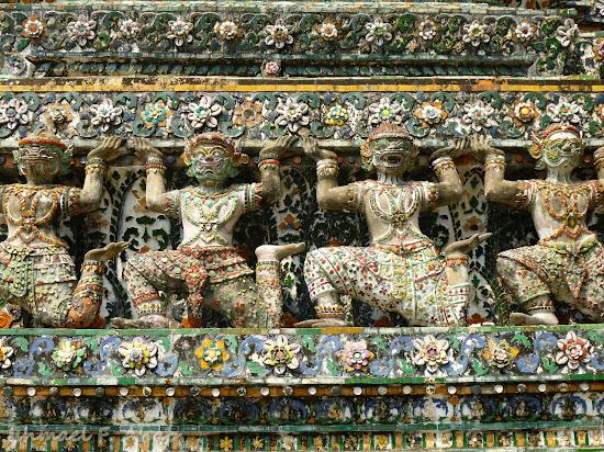 Demons lifting the prang of Wat Arun