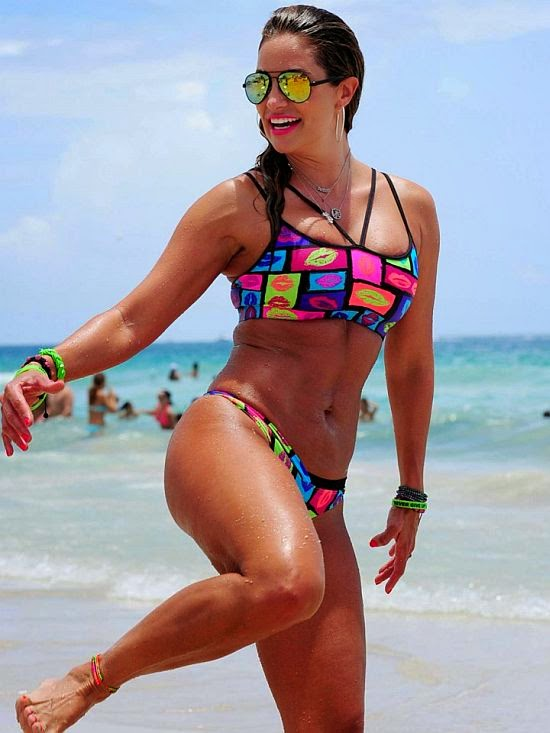 She's not Fiorella Castillo who claims to have defeated 800 men on Ipanema beach with soccer freestyling.  But may be, it's the beginning for the Fitness Guru to exploring her sport skills talent into the next World Cup as Jennifer Nicole Lee enjoyed her day in Miami on Tuesday, July 15, 2014.
