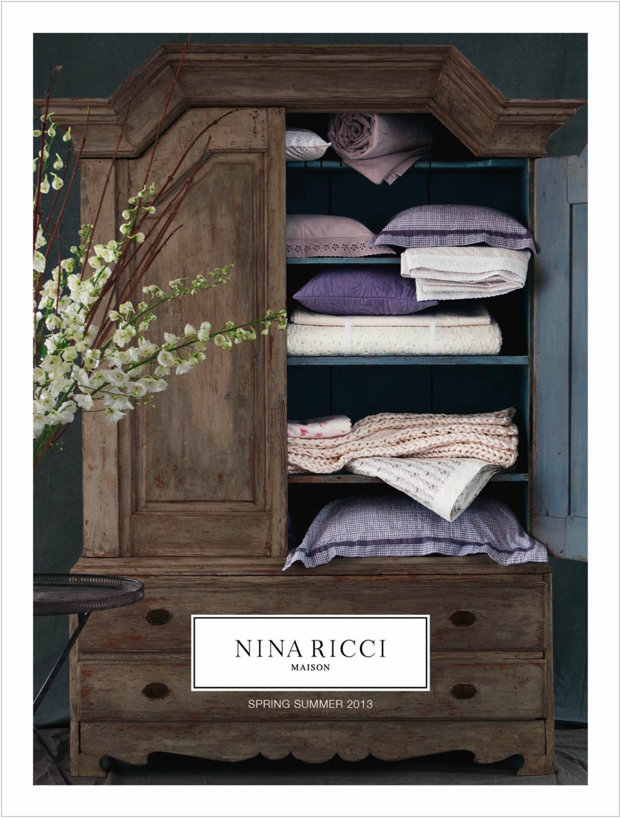 galerie des grands hommes nina ricci la premi re ligne de linge de maison d j aux grands hommes. Black Bedroom Furniture Sets. Home Design Ideas