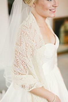 Bruid met Handgebreide bruidssjaal.