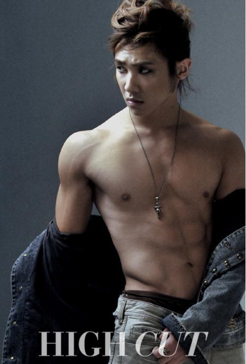 Jonghyun  Shinee Yoochun Shirtless