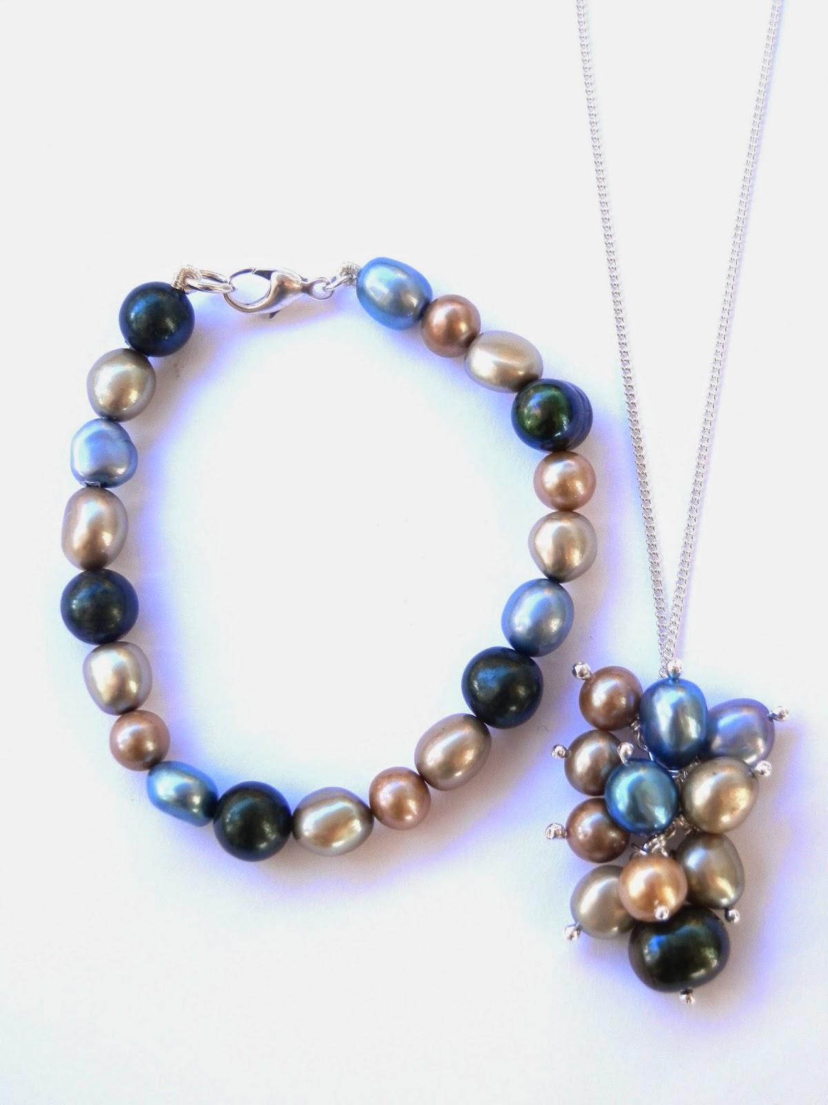 http://www.kirstytaylorjewellery.com/pearl-bracelets/501-sea-green-blue-gold-freshwater-pearl-bracelet.html?search_query=pearls&results=41