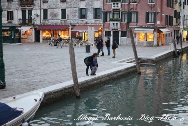 Fare la pipi a Venezia