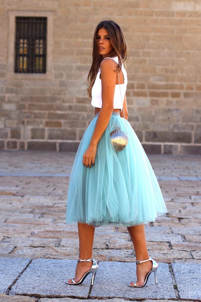 платье из фатина для девушки