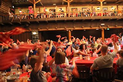 Disney World Family Fun At The Hoop Dee Doo Musical Revue