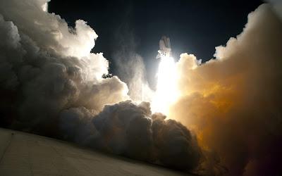 Amazing Rocket Space Wallpaper