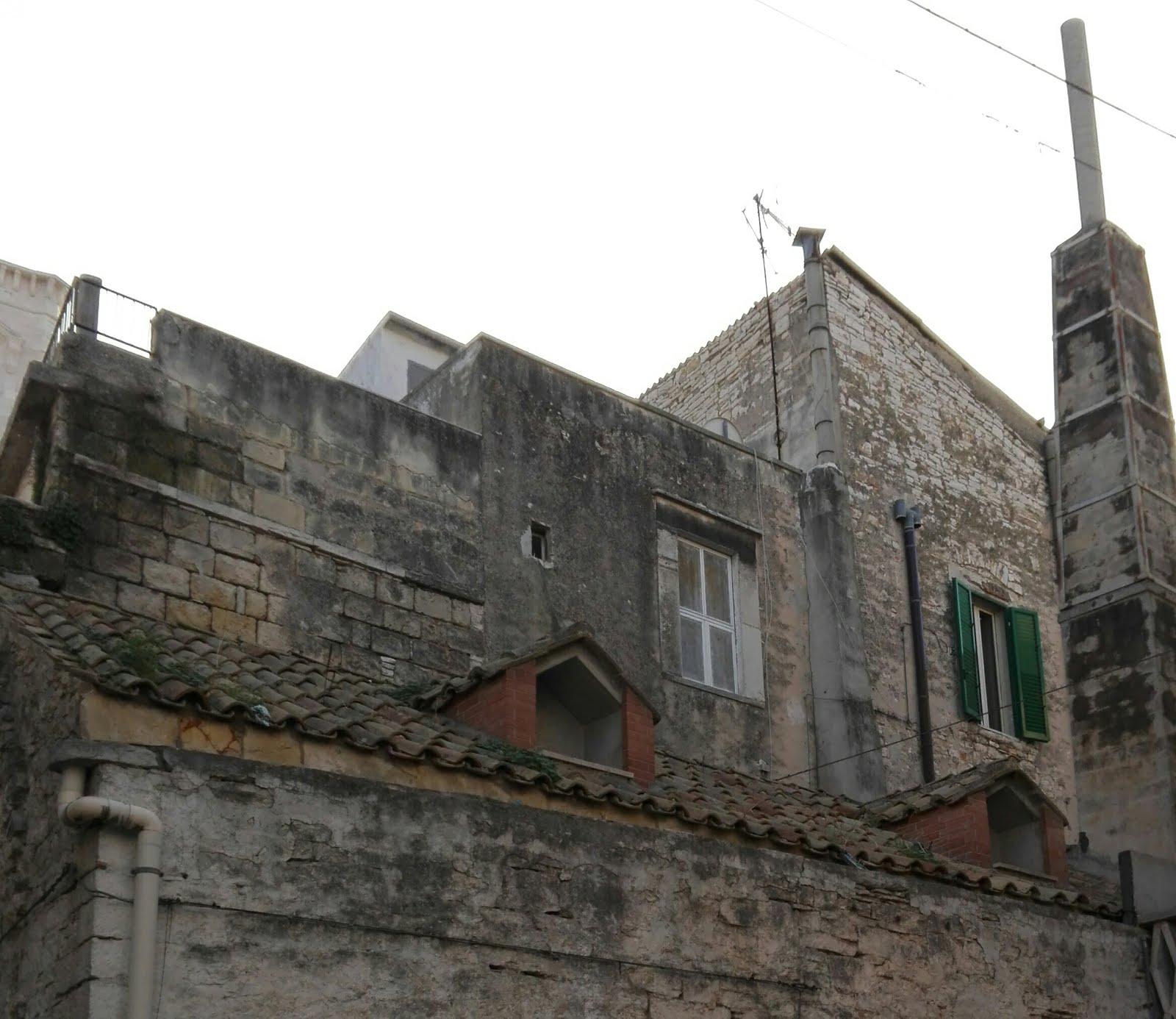 il profumo antico dei tetti
