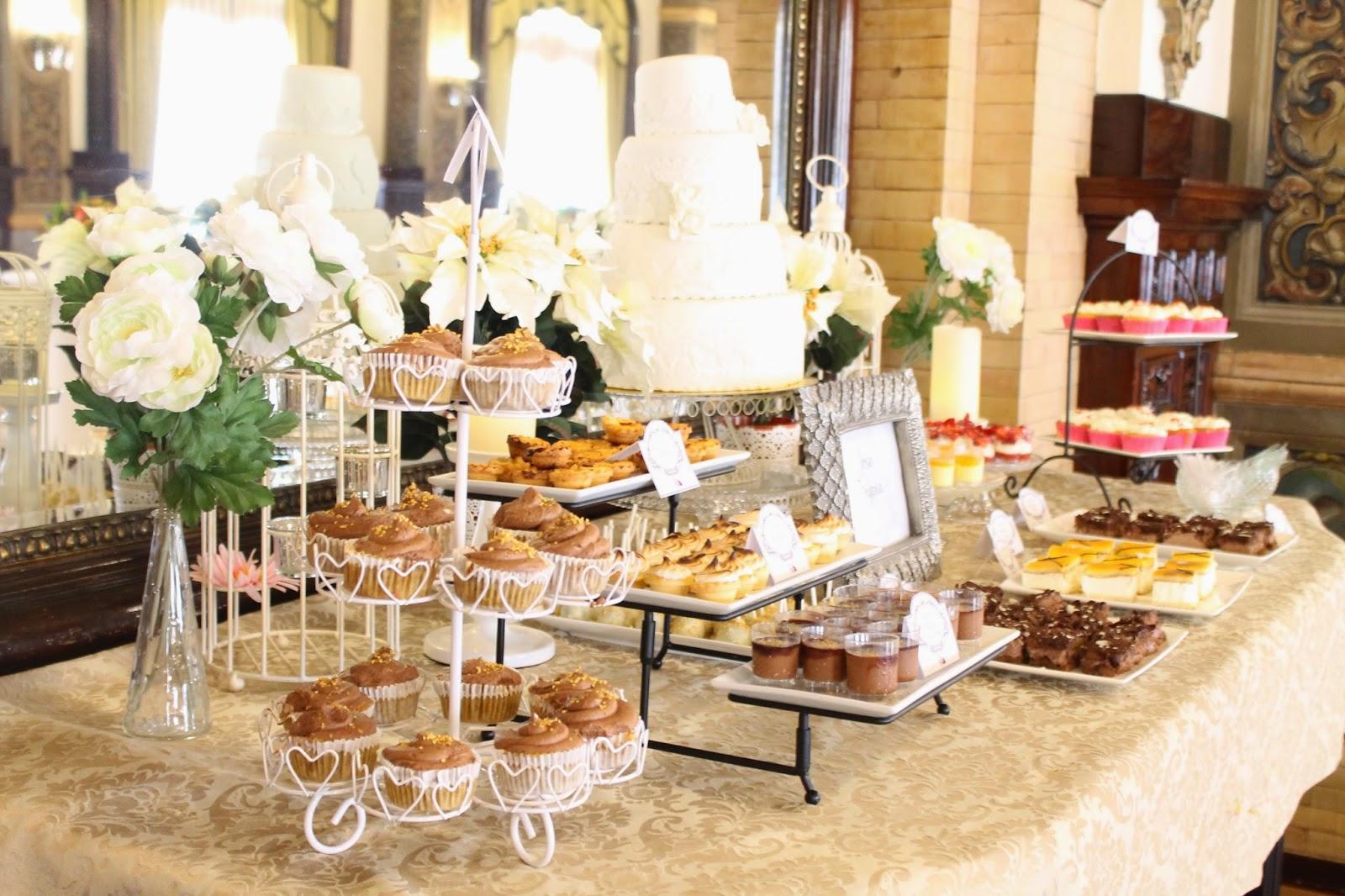 Mesa dulce boda sevilla hotel alfonso xiii tarta chic for Fotos de mesas de chuches para bodas