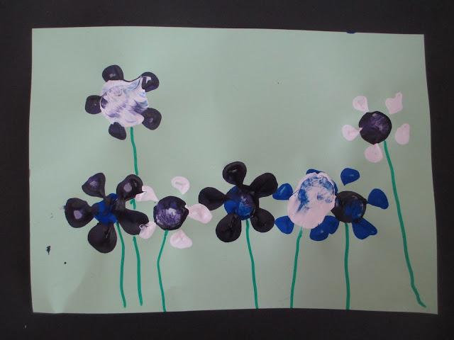 Blumen mit Kindern stempeln